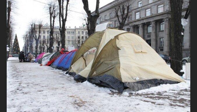 'Telšu pilsētiņā' cieš no sala, bet protestus nepārtrauks