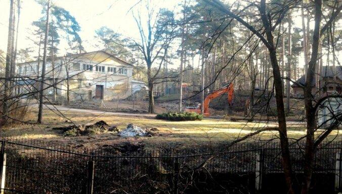 Rīgas zoodārzā vērojamas aizdomīgas aktivitātes; vai tiešām atgriežas ziloņi?