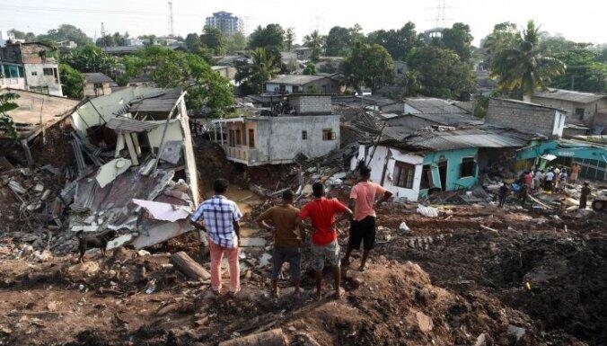Pēc atkritumu kalna sagrūšanas Šrilankā desmitiem pazudušo