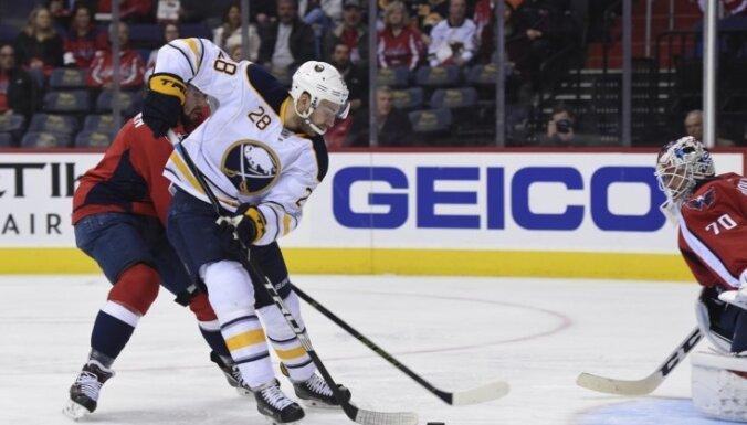 НХЛ: Гиргенсонс набрал 2 очка, забросив впервые за семь матчей