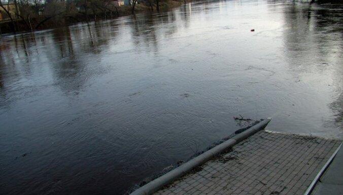 Plūdi Gaujā un Daugavā ietekmē elektroapgādi 104 mājsaimniecībām