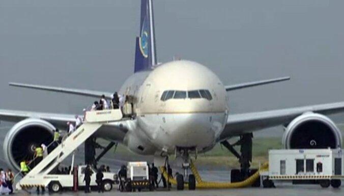 Сигнал о попытке захвата самолета Saudia Airlines оказался ложным