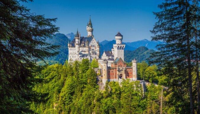 Karaliska atpūta: Eiropas iespaidīgās pilis, kas jāredz ikvienam ceļotājam