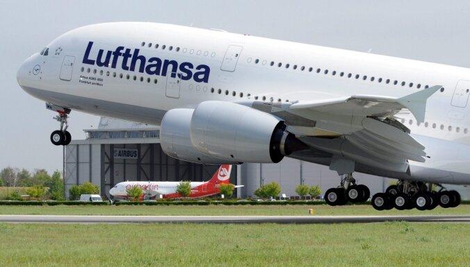 Мировые авиакомпании массово отменяют рейсы в Китай