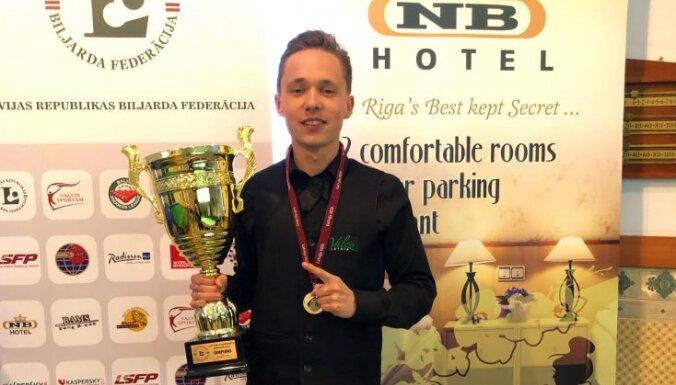 ВИДЕО: Юдин третий раз подряд стал чемпионом Латвии по снукеру