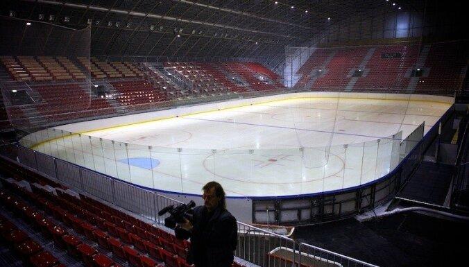 Чемпионаты мира по хоккею впредь будут проходить на узких канадских площадках