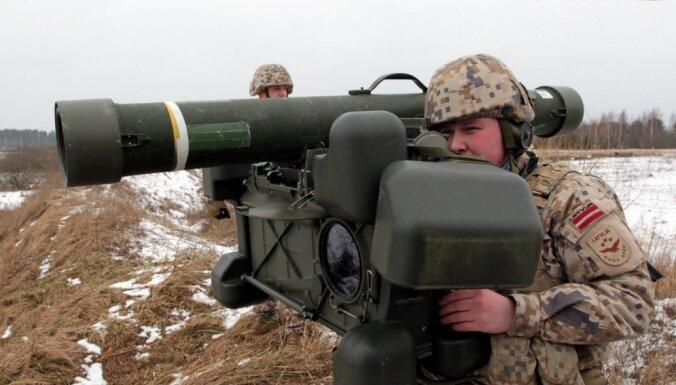 Kā sargājam Latvijas debesis? Ar lāzeru vadāmais RBS-70 un arhaiskais zviedru dižgabals