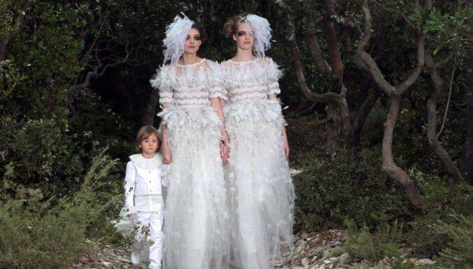 Paris Haute Couture: Гимн однополой любви от Chanel?