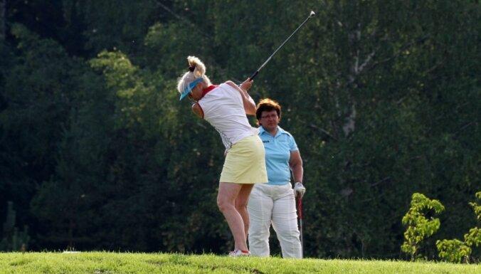 Шведская гольфистка продолжила игру после укуса Черной вдовы