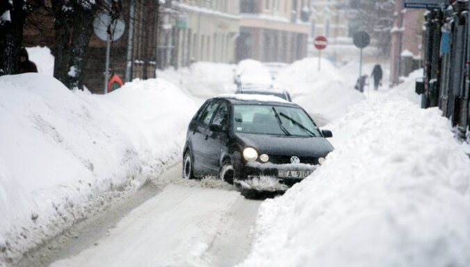 Rīgas reģionā trešdien policija saņēmusi 128 izsaukumus par avārijām