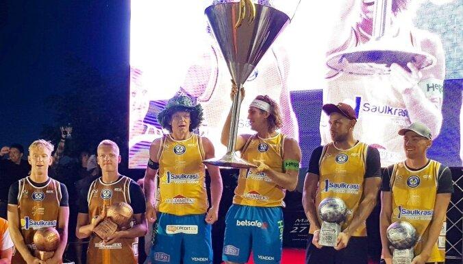 Samoilovs/Šmēdiņš triumfē 'Saulkrastu kokteiļa' pludmales volejbola turnīrā