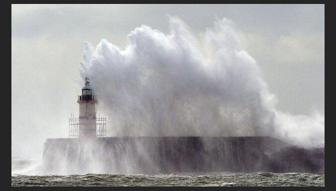 Красное предупреждение: высота волн в Балтийском море будет достигать 8 метров