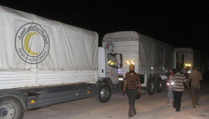 Sīrijas režīma ielenktā Daraja pirmoreiz saņem pārtikas palīdzību