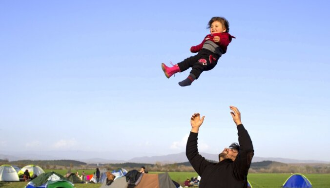 Grieķija migrantus no Ziemeļāfrikas sūta atpakaļ uz Turciju