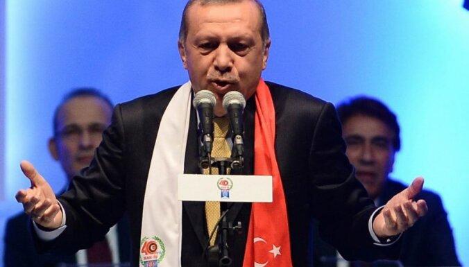 Турция требует объяснений у США из-за отказа признать курдов террористами