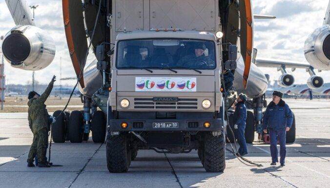 Covid-19: Krievijas armijas palīdzība Itālijā ir bezjēdzīga, raksta 'La Stampa'
