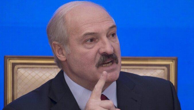 """Лукашенко посоветовал президенту Литвы заняться """"своим вирусом"""""""