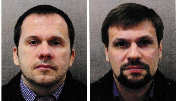 Skripaļu indētāji Petrovs un Boširovs sveiki un veseli tagad strādājot Kremļa maizē