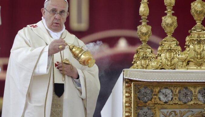 Папа Римский предрек свою смерть и может уйти в отставку