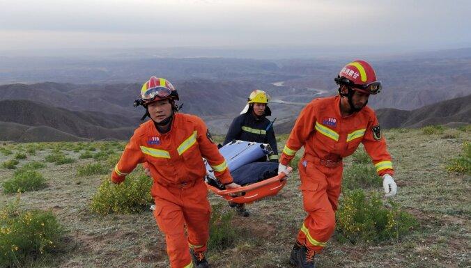 Ķīnas kalnos vētrā un aukstumā gājis bojā 21 ultramaratona dalībnieks