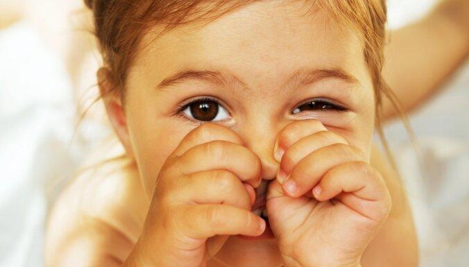 Nelāgais ieradums: kā vīrusa laikā mudināt bērnu neaiztikt seju