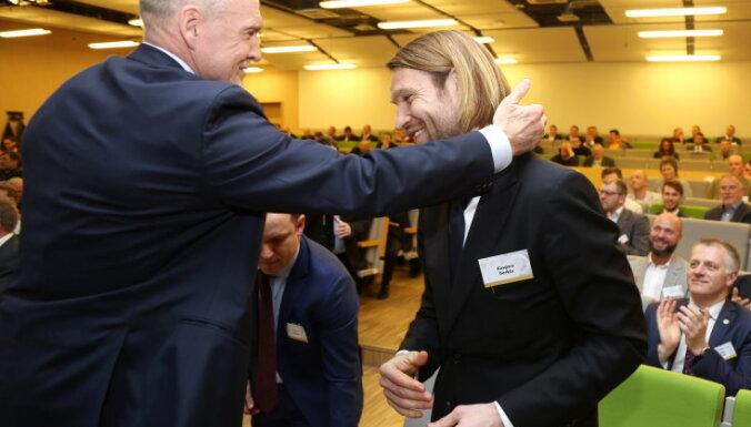 ФОТО: Каспар Горкшс избран новым президентом Латвийской федерации футбола
