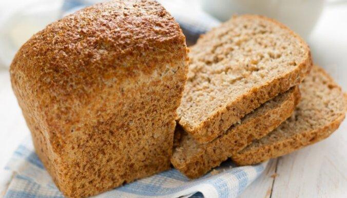 ФОТО: В Иманте в мусорных контейнерах обнаружили пакеты с хлебом