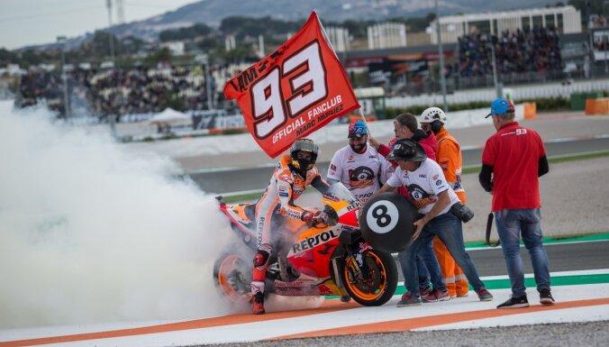 'MotoGP' sezona noslēdzas ar Markesa uzvaru un Lorenso atvadām
