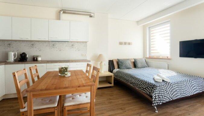 Telpu savienojums bez sienām: stilīgi piemēri un iekārtošanas principi studio tipa mājokļiem