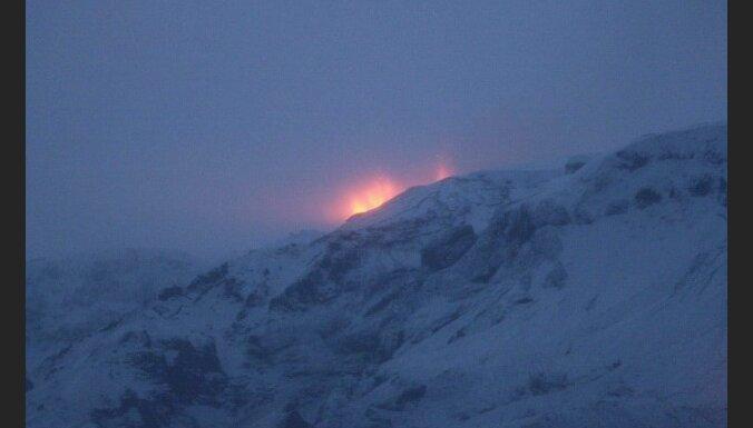 Пепел исландского вулкана ночью достигнет Балтии, отменены рейсы из Рижского аэропорта
