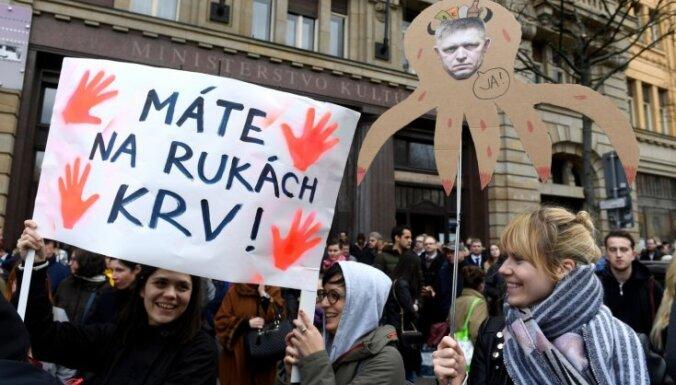 Foto: Slovākijā atsākas protesti pret valdību