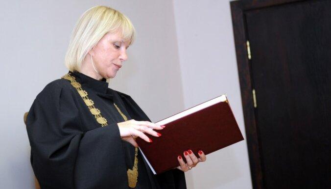 Kriminālprocesā pret tiesnesi Orniņu figurē arī citas personas
