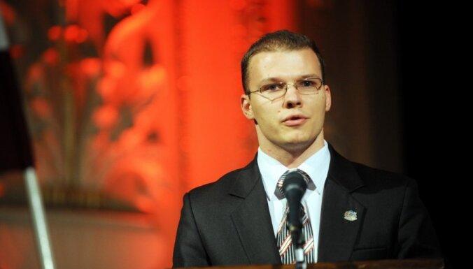 Дзинтарс: мы готовы взять на себя МОН, если все школы станут латышскими