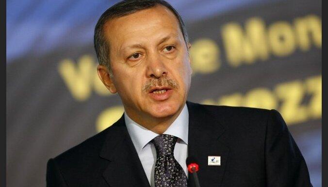 Sīrija par fabriku izlaupīšanu iesūdz tiesā Turciju