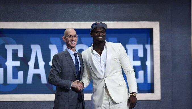 'Pelicans' NBA draftā ar pirmo numuru izvēlas uzlecošo zvaigzni Viljamsonu