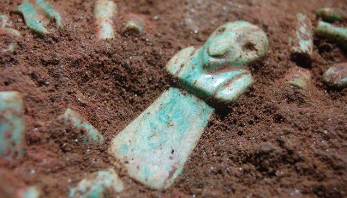 Gvatemalas rietumos atrasta viena no senākajām Maiju kapenēm