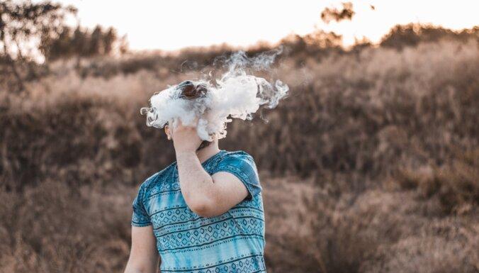Saeimas apakškomisija atbalsta rosinājumu aizliegt aromatizētus tabakas aizstājējproduktus