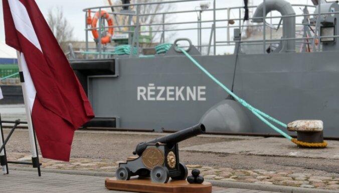Во время праздников моря и рыбаков можно осмотреть военные корабли