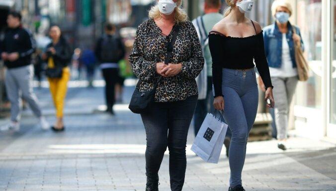 Visā Vācijā pieņem noteikumus par obligātu masku valkāšanu