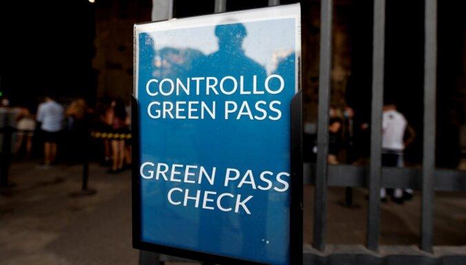 Itālija Covid-19 sertifikātus nosaka par obligātiem visiem darbiniekiem