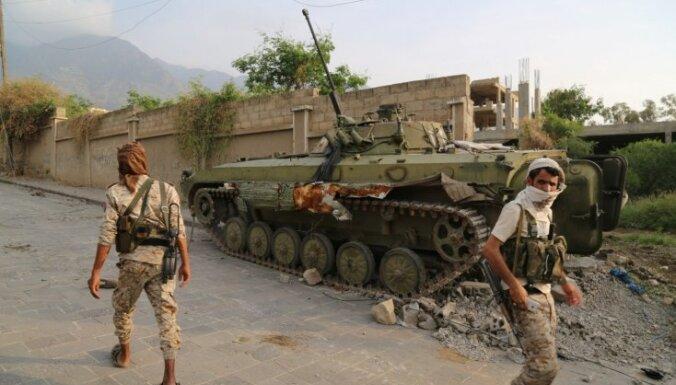 Jemenas separātisti ieņēmuši Adenu; iespējams, sagūstīts premjers