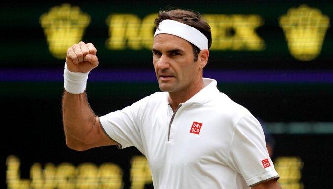 Federers izcīna 350. uzvaru 'Grand Slam' turnīros un kvalificējas Vimbldonas astotdaļfinālam