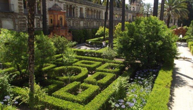 Karaliskā pils un dārzi Seviļā, kas redzami pasaulē populārākajā seriālā 'Troņu spēle'