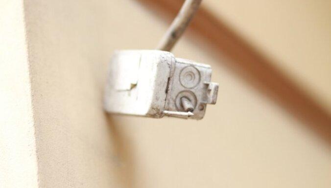Elektroapgāde traucēta vēl nepilniem 2000 'Latvenergo' klientu
