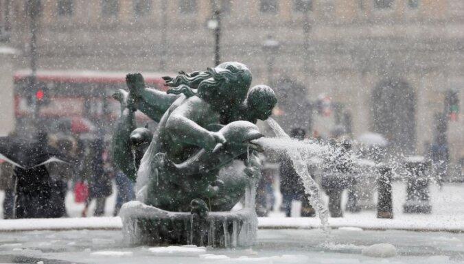 18 Eiropas valstīs sinoptiķi brīdina par sniegu un salu