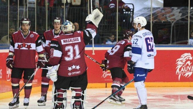 ФОТО: В прощальном матче Масальского сборная Латвии пропустила шесть шайб и проиграла французам