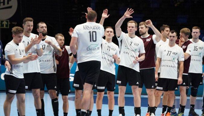 Latvijas handbola izlase divu debitantu duelī cīnās par savu pirmo uzvaru Eiropas čempionātā