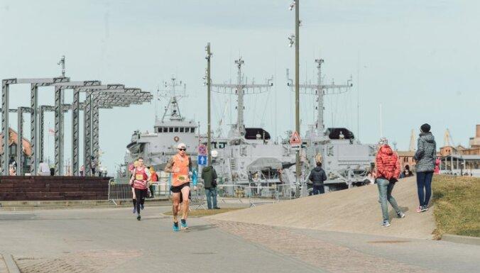 Foto: Liepājas pusmaratonā uzvar Girgensons un lietuviete Vaidžilute