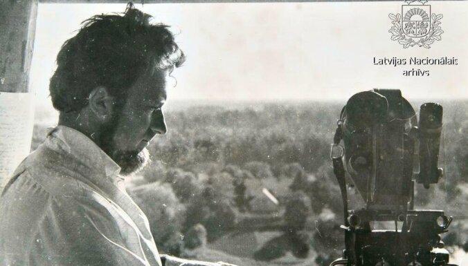 Arhīva foto: kinorežisoram, scenāristam Aivaram Freimanim – 85