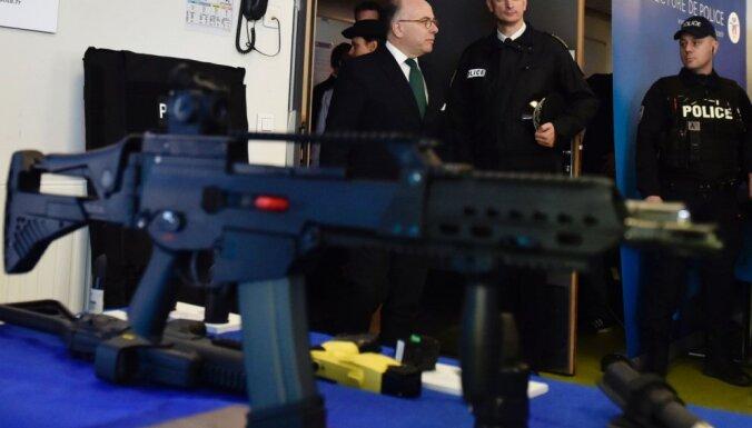 Parīzes policisti tiks apbruņoti ar automātiskajām šautenēm